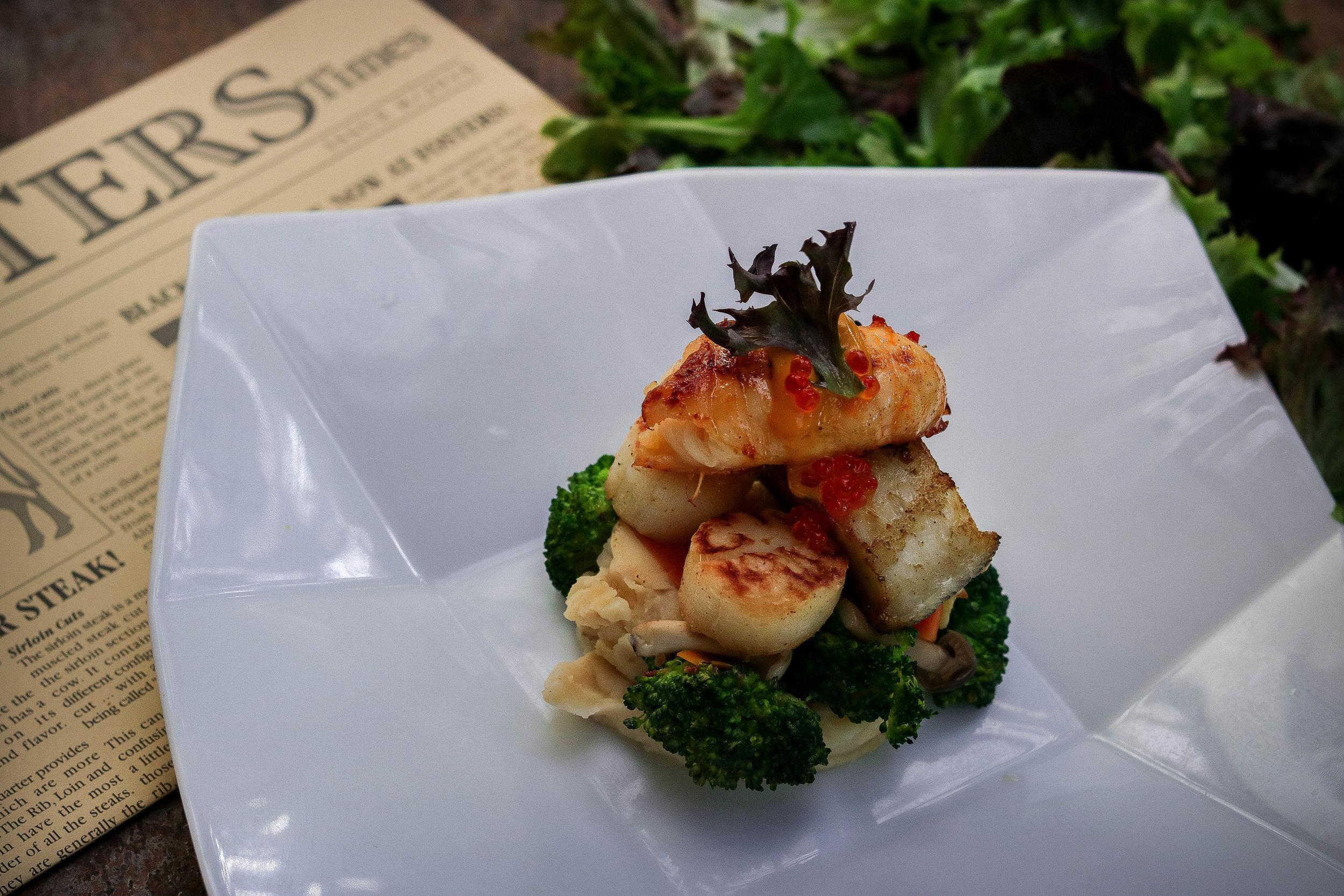 Seafood Combo-Lunch.jpg