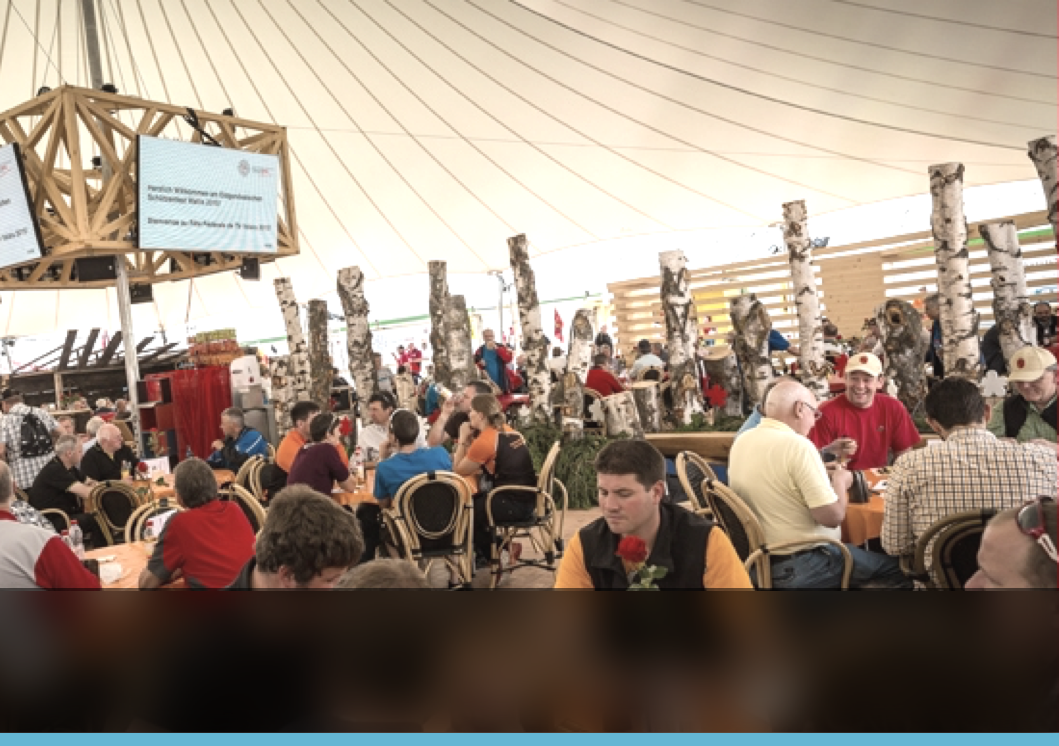 « La prise de commandes à table et les impressions multi-sites ont considérablement amélioré notre organisation et notre productivité pour servir les 40'000 repas durant cet évènement. »