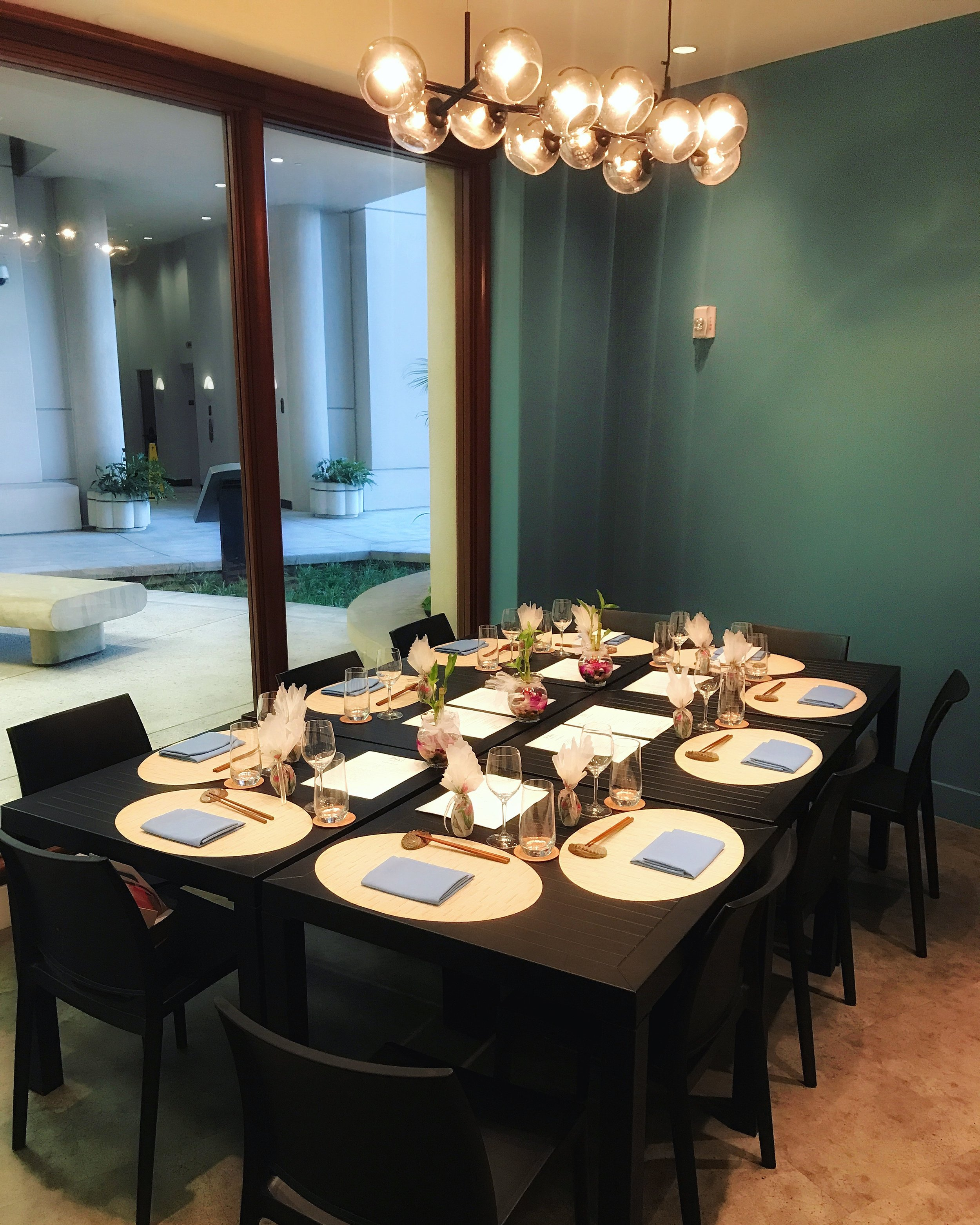 Semi-private dining area (6-10 guests)