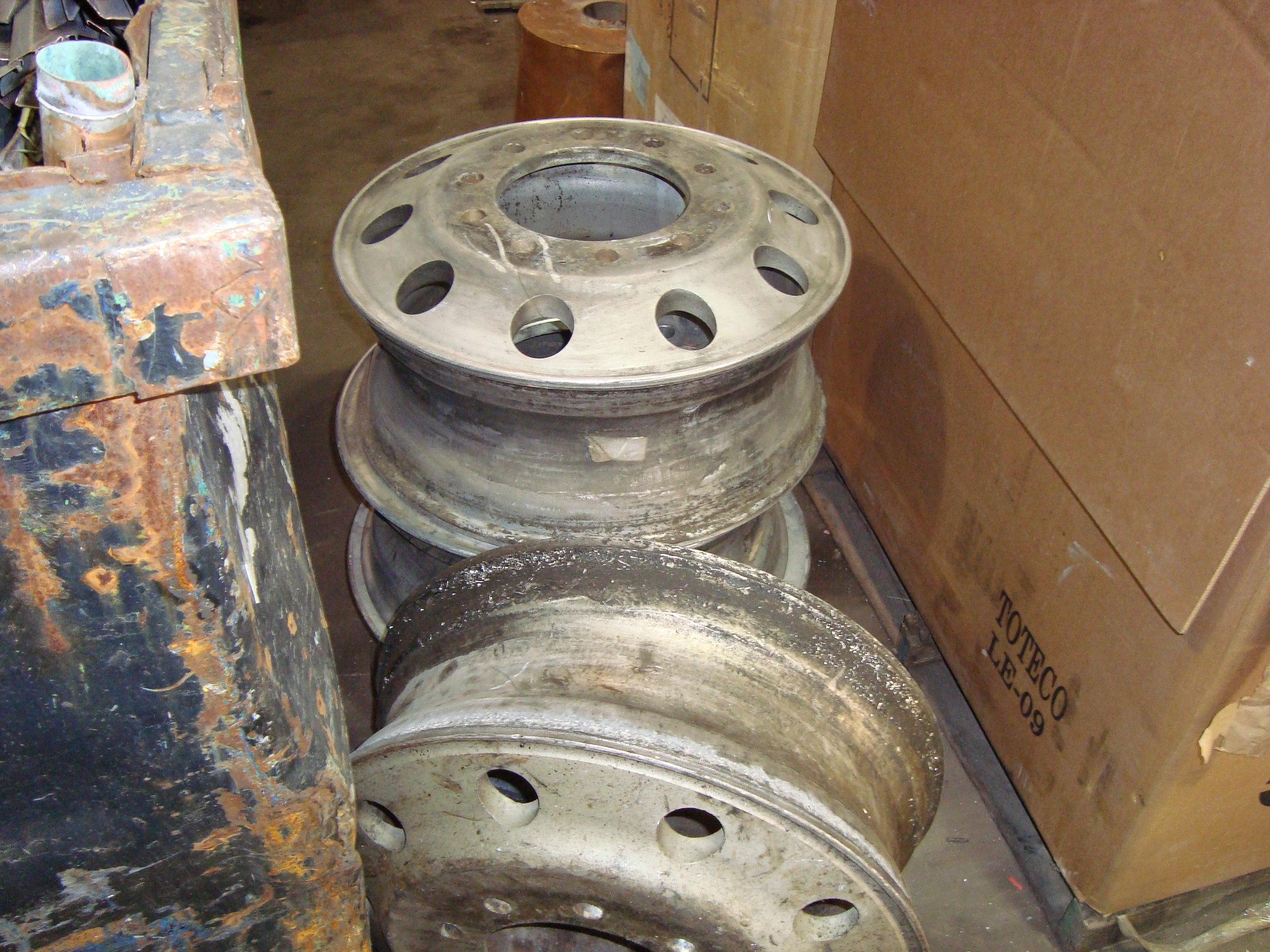 Aluminum Truck wheels.JPG