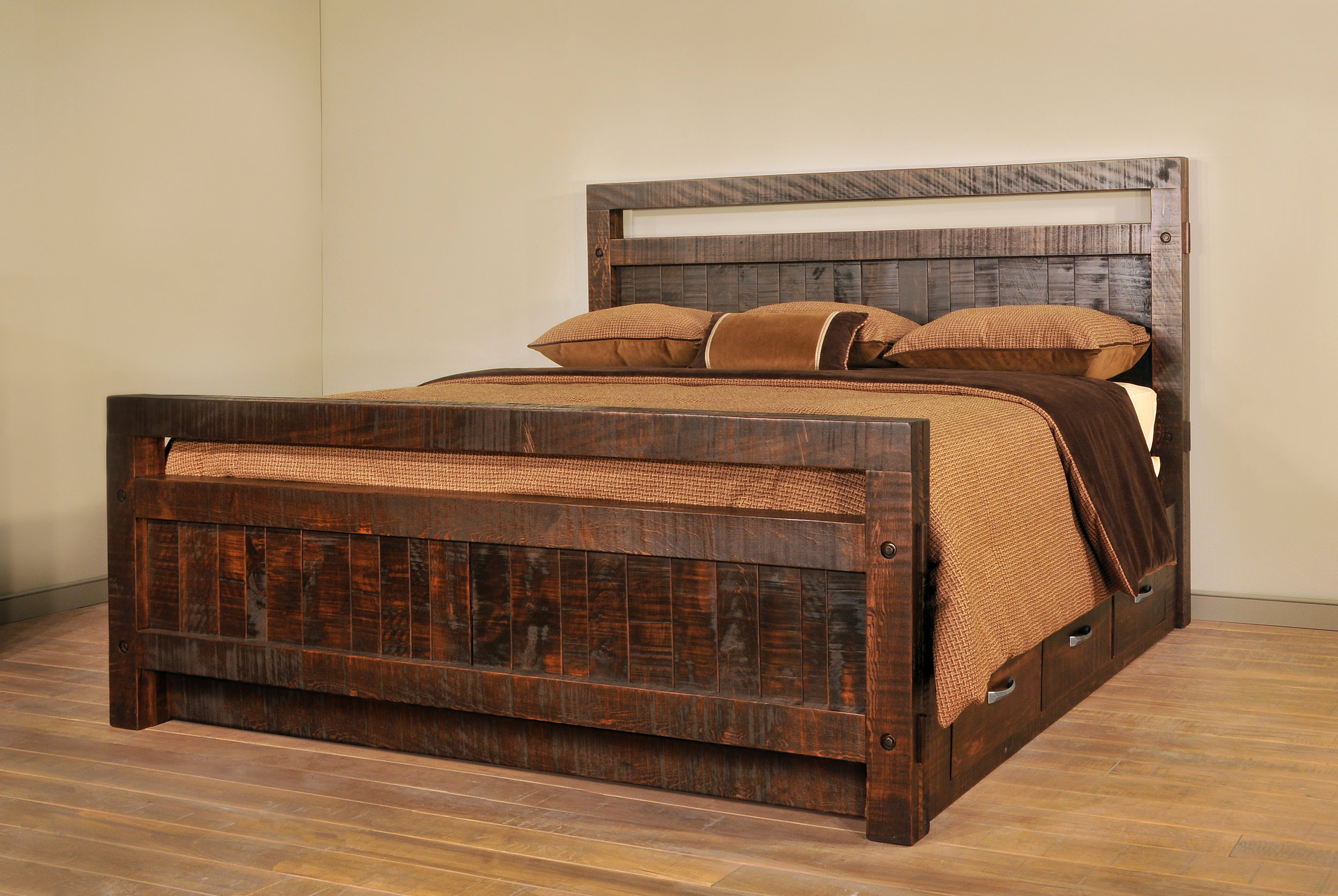 Timber Bed w-drawers S.JPG