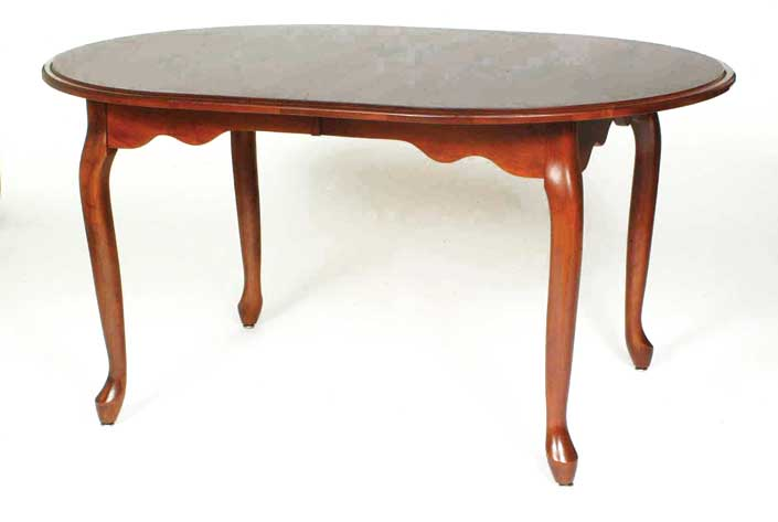 Queen-anne table