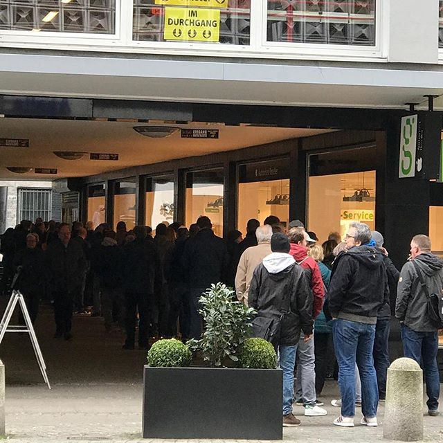 How was your Record Store Day?  @hotshotrecords started like this🤘 @recordstoredaygsa #crosley #rsd3 #crosleyradioeurope #foofighters #recordstore #vinyllovers #vinylcollection