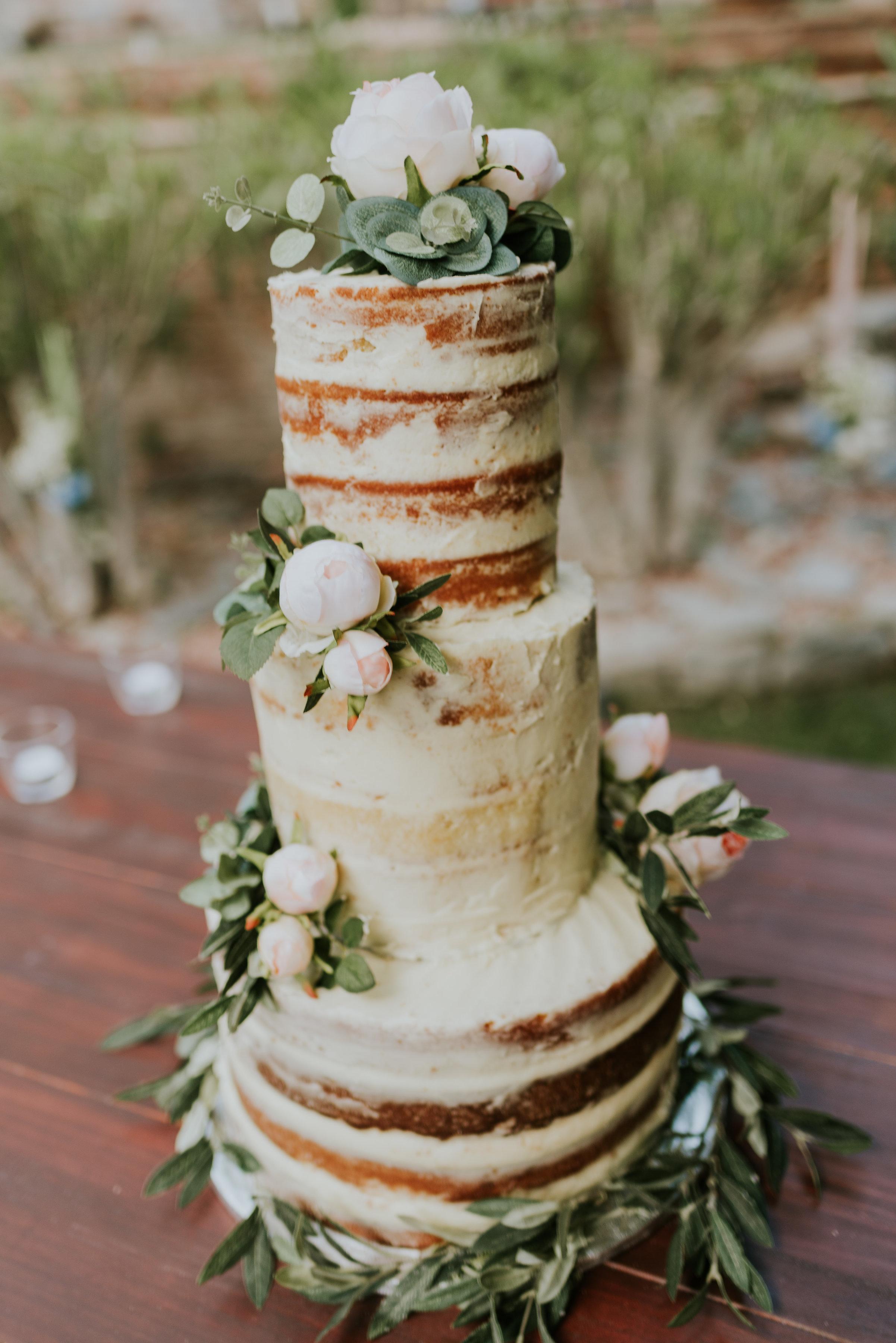 International wedding caterer wedding cake