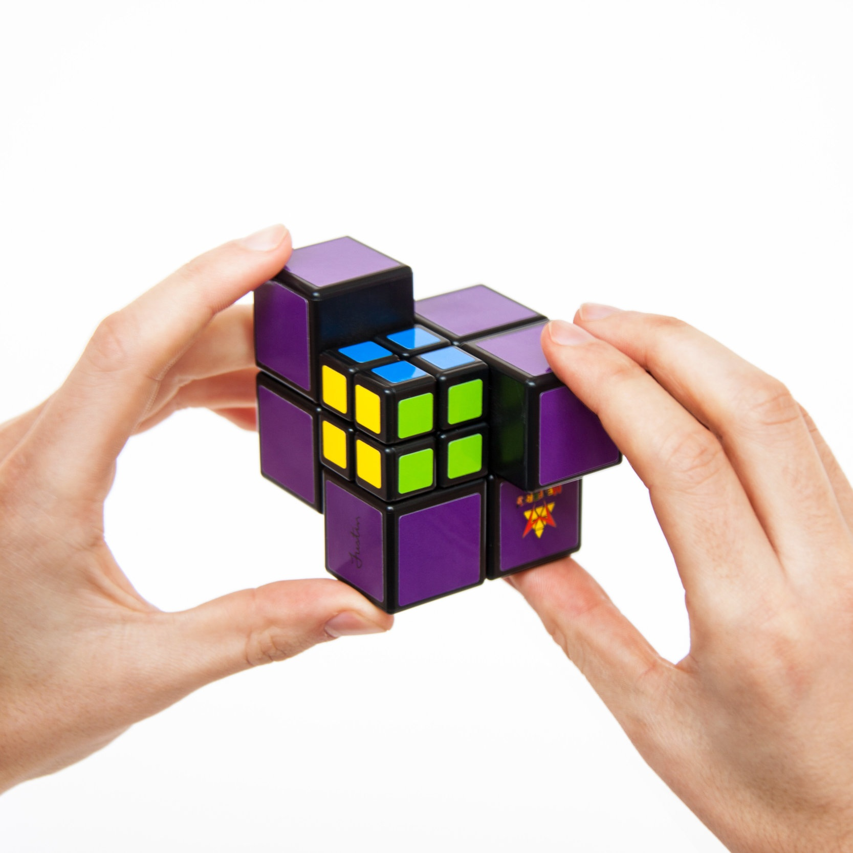 PocketCube-Hands01.jpg