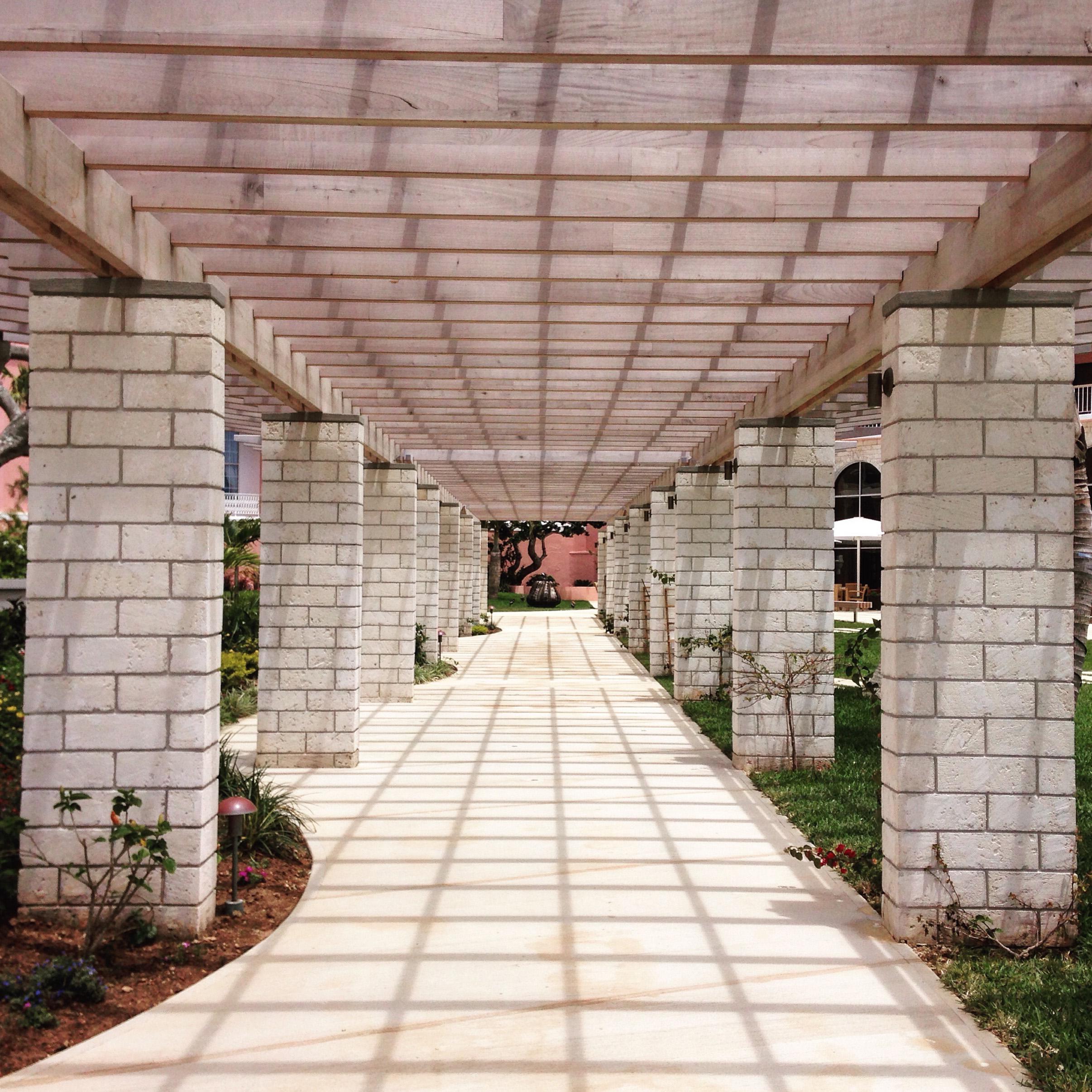 Bermuda_Courtyard.jpg