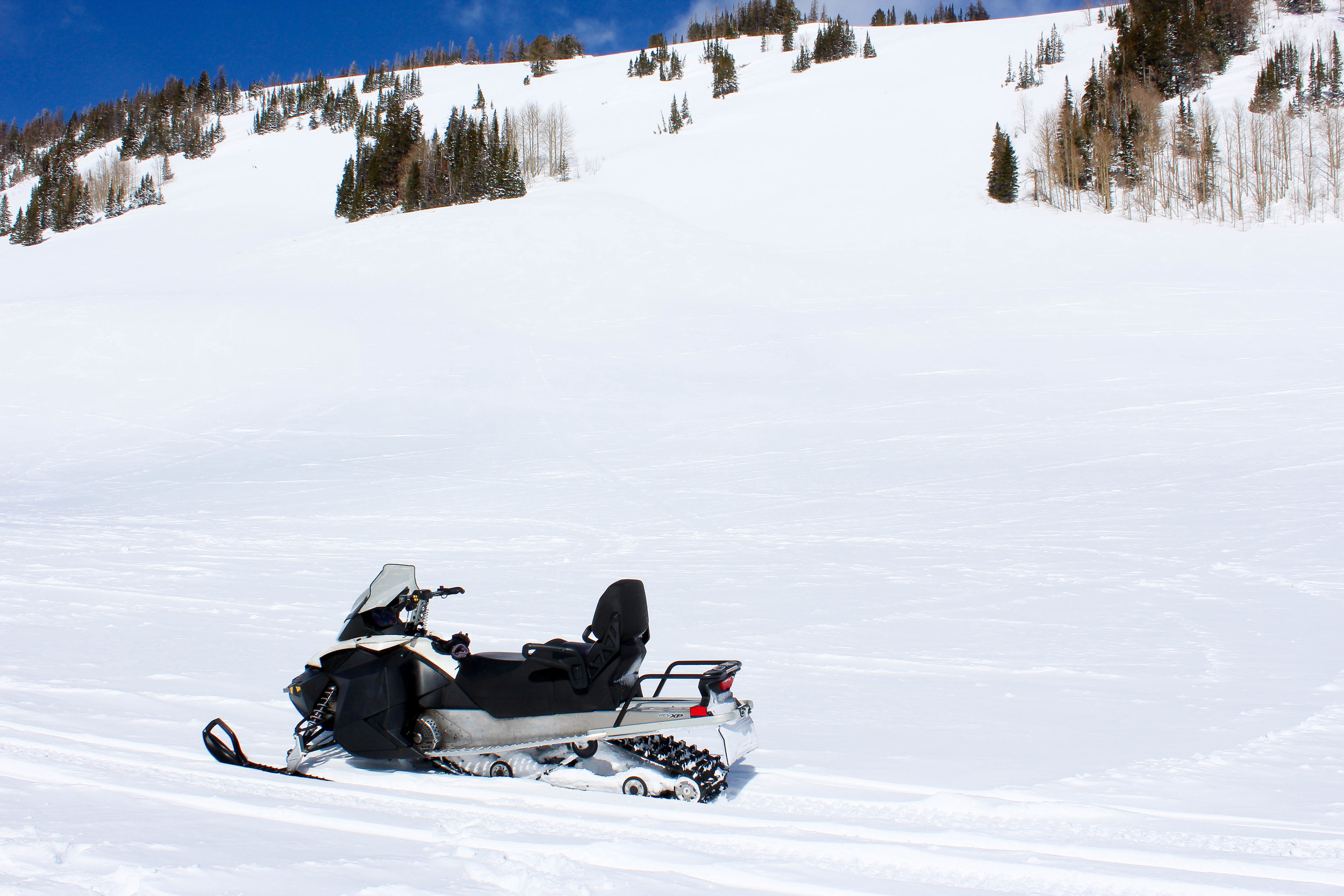 snowmobileMountain-2.jpg