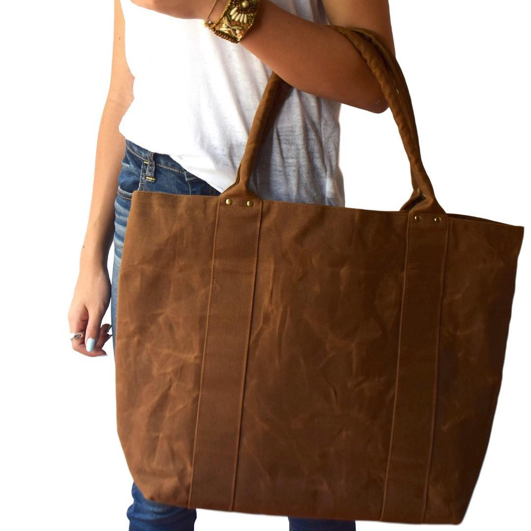 Gorgeous, quality, minimalist handbags made sustainably with love from Dallas, TX {20% off}{F} - TZOMAUse code: BLACKFRIDAY20 for 20% off sitewide. Valid: 11/22 to 11/24. Half off pouch promo applies ONLY to waxed canvas half-moon pouches. (No cork half-moon pouches will receive half off discount)Popular: Amelia Black Crossbody Bag