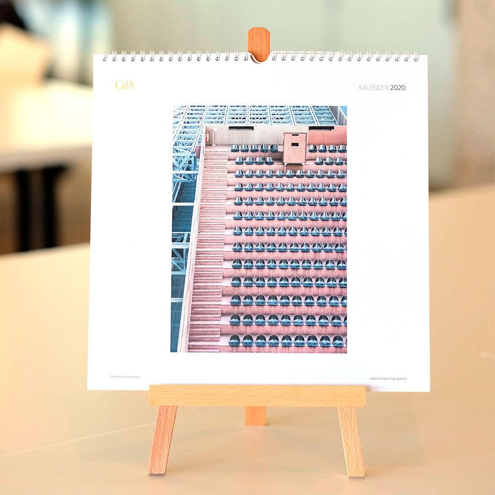 Unser Kalender - Schöne Perspektiven für 2020!Jetzt auch mit kleiner Staffelei erhältlich – ideal für den Schreibtisch!