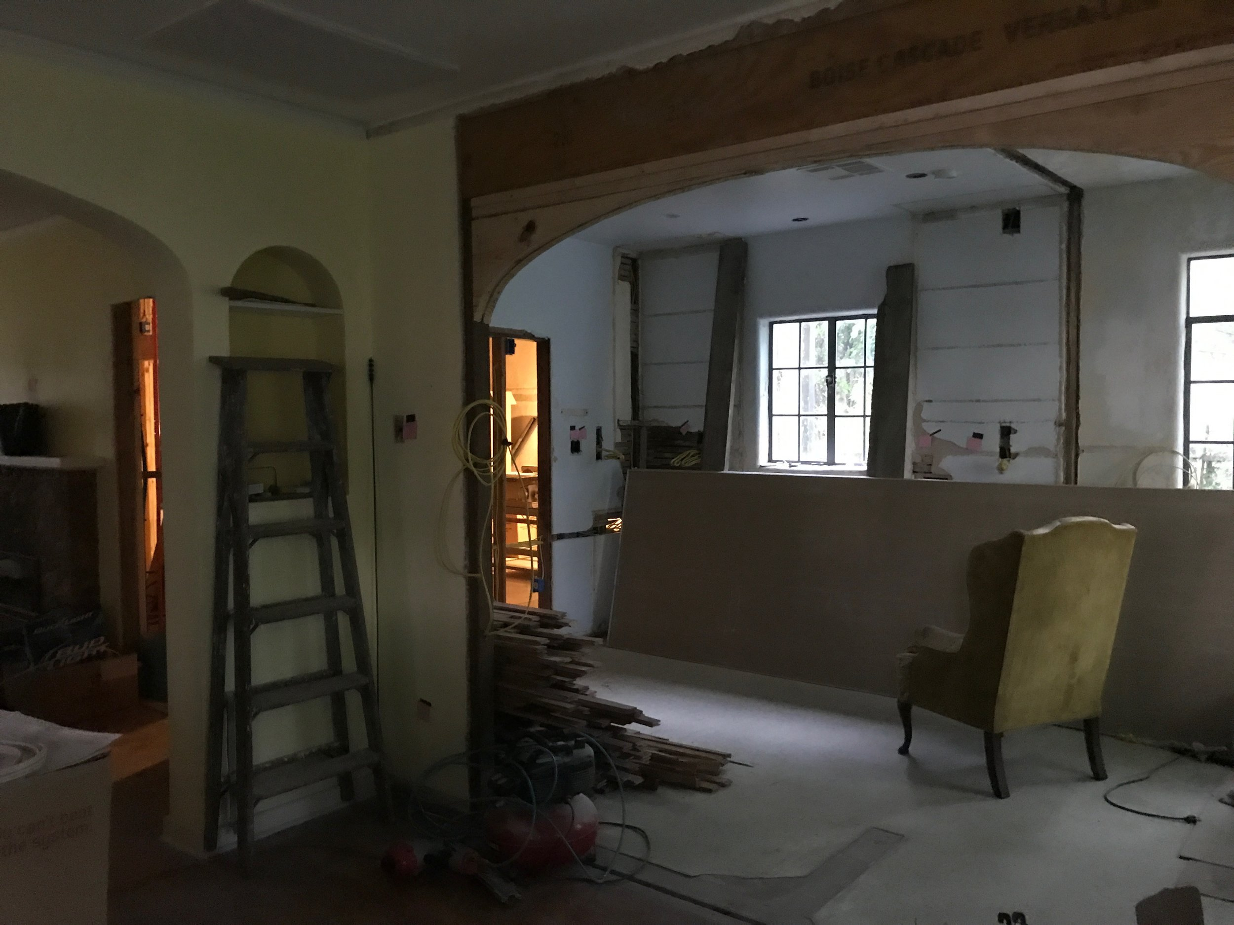 framing up the arched opening to mimic the one from dining to main living room