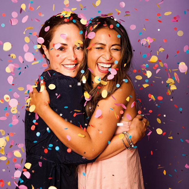 So freakin grateful for this amazing woman in my life. Honored to be your friend @thelagirl  Thank you @the_confetti_project for this moment of celebration!🥳 #confettiyoself