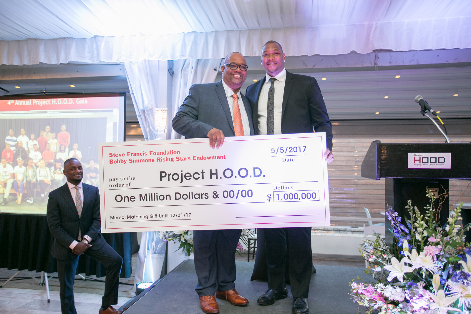 Former NBA Player Bobby Simmons presents $1million matching gift in partnership with Former NBA Player Steve Francis to Project H.O.O.D.  Their organizations are the Steve Francis Foundation and the Rising Stars Endowment.