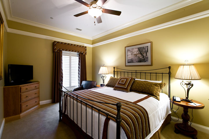 Luxury Cottage Bedroom at Rich Harvest Farms