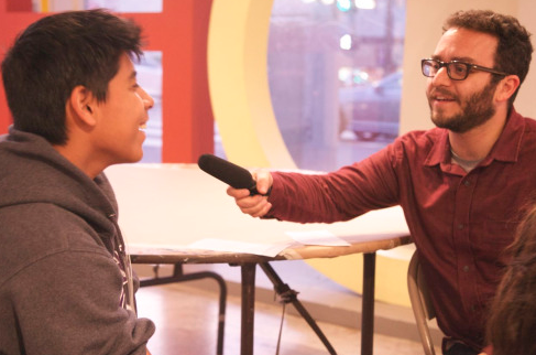 Avishay Artsy from KCRW visited HOLA to teach students ethnojournalism skills.