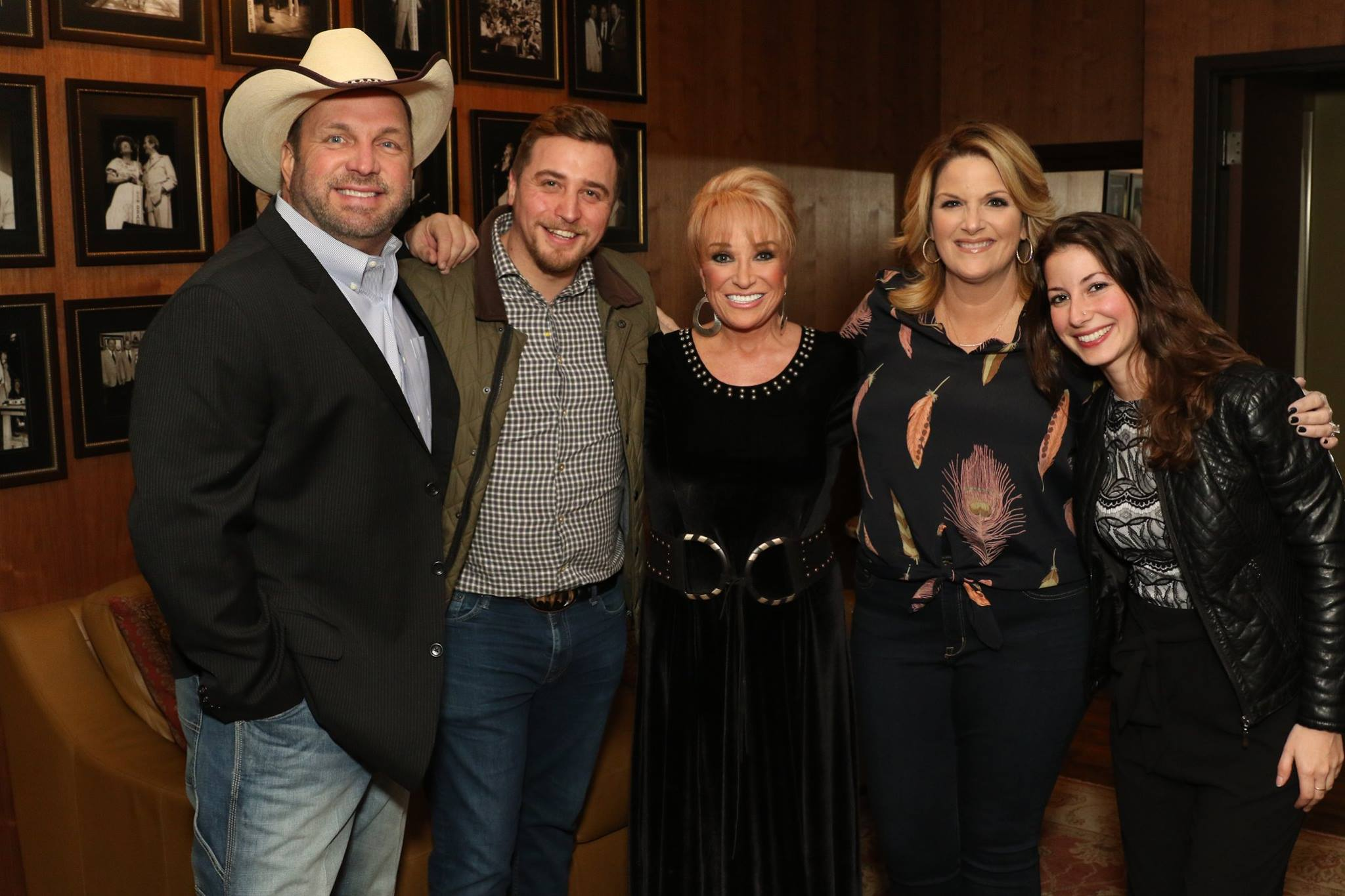 Garth Brooks, James Garner, Tanya Tucker, Trisha Yearwood, Jerilyn Sawyer