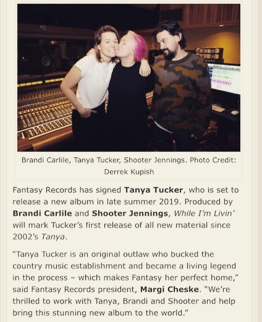 Pen to paper! @thetanyatucker signs with @concordrecords @fantasyrecordings for new album!