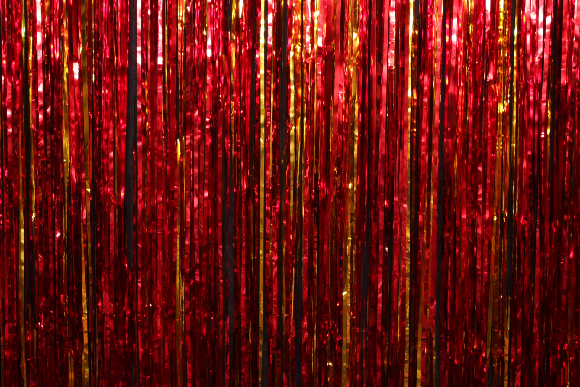 Red & Gold Tinsel*