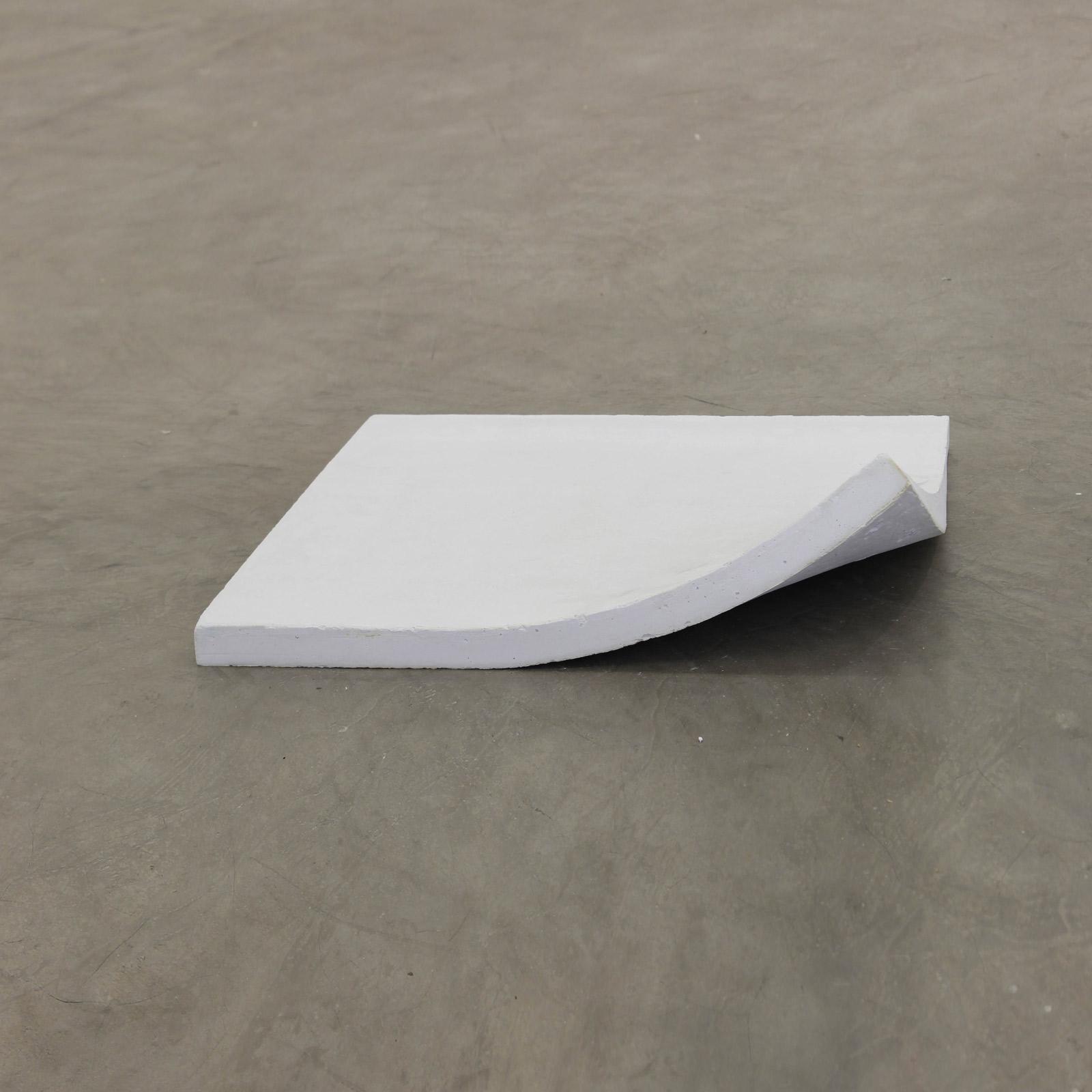 sem título , 2016  concreto  55 x 55 x 3,5 cm  edição de 2 + 2 PA