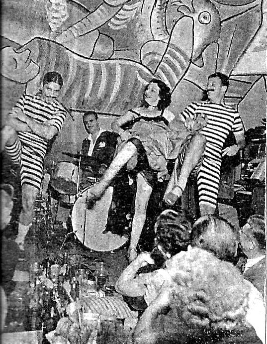 clubinho baile palco.jpg