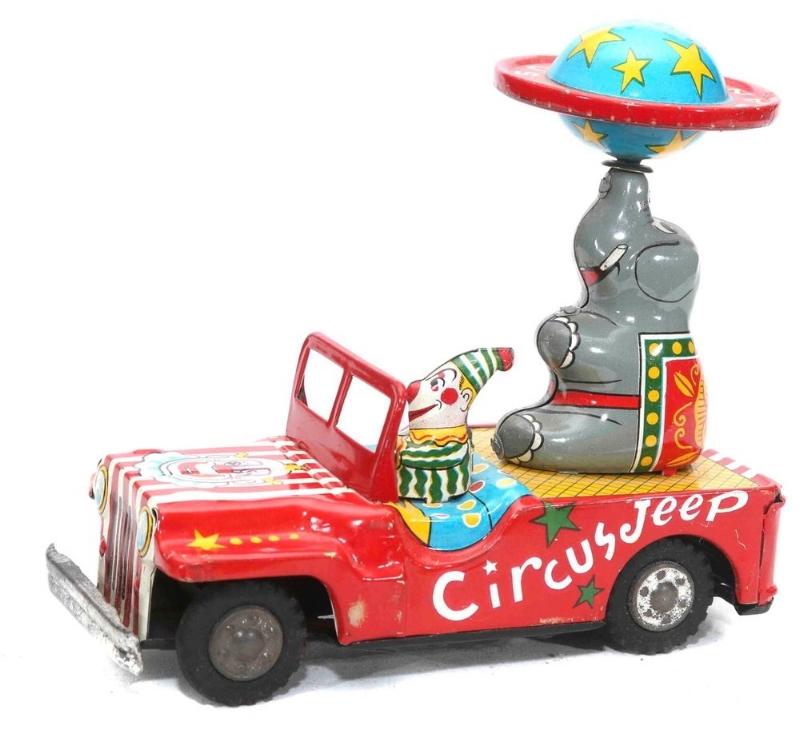 jeep circus2.jpg