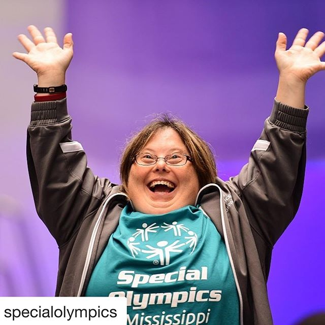 Beautiful smiles make our ♥️s smile...! #MondayMotivation🙌🏽 #SpecialOlympics⭐️ #InclusionRevolution💥 ・・・ #Repost @specialolympics  In case you are in need of a little extra #MondayMotivation, just tap into this moment when Jaycelyn Collins won GOLD in swimming at the 2018 USA Games in Seattle! #ChooseToInclude