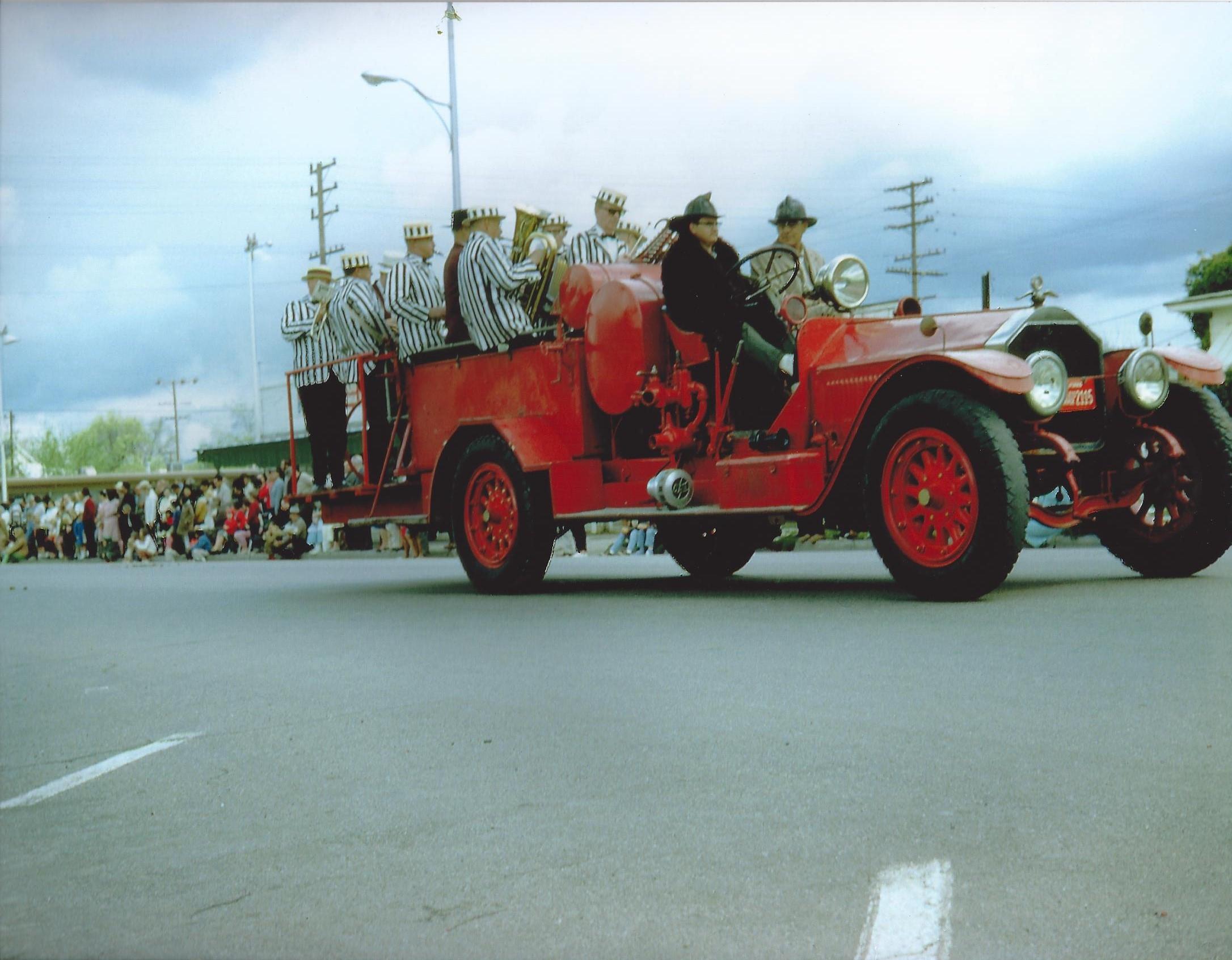 reg#542 orangeblossom parade 1950's.jpg