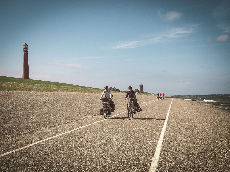 Radweg direkt am Meer - besser könnte es nicht sein.