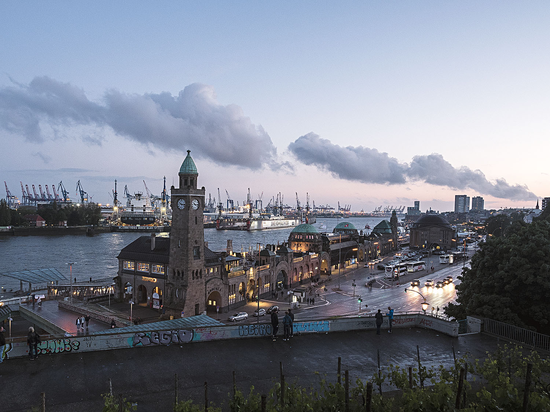 In Hamburg - die Landungsbrücken