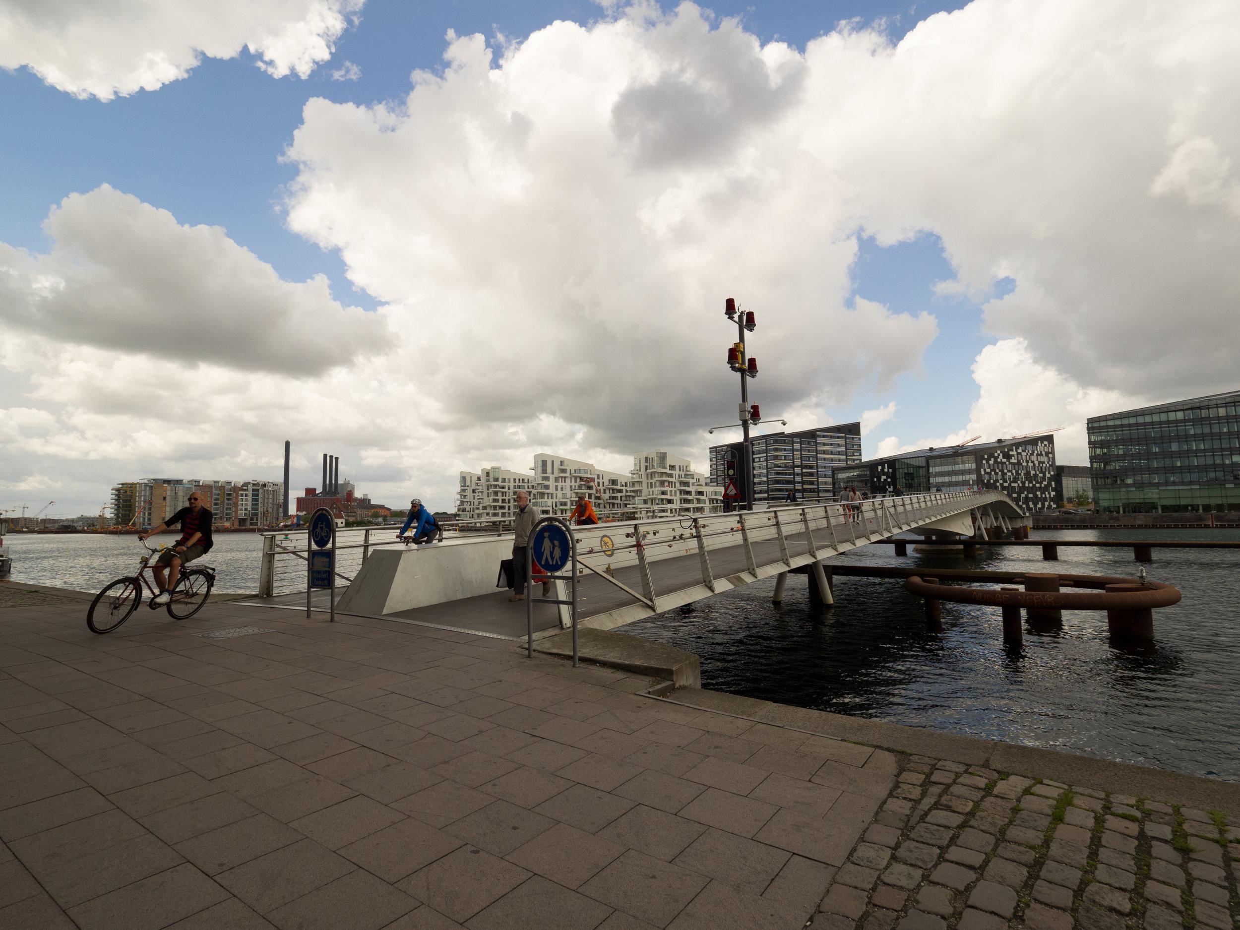Fahrrad und Fussgänger Brücke