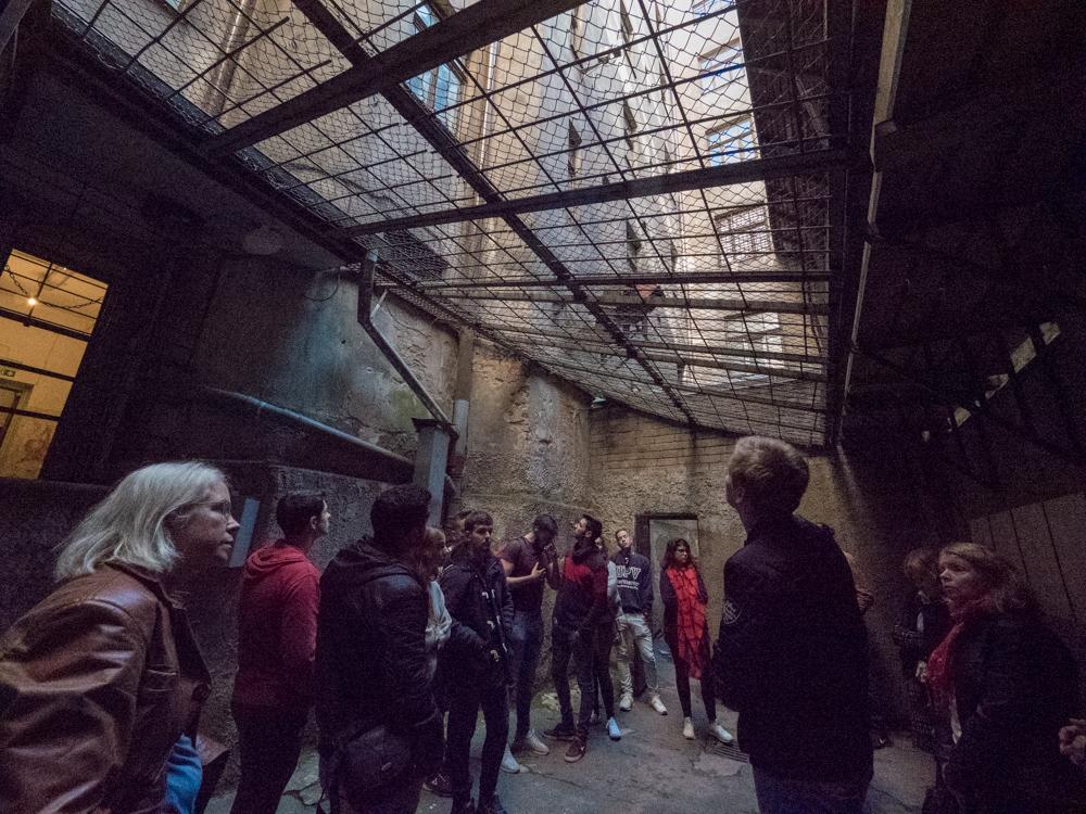 Im KGB Museum/Gefängnis. Hier gab's frische Luft für die Häftlinge