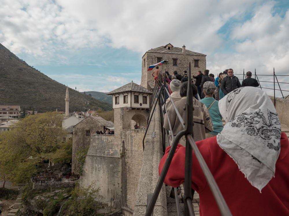 Zurück in Moster: Ein Brückenspringer sucht nach Sponsoren