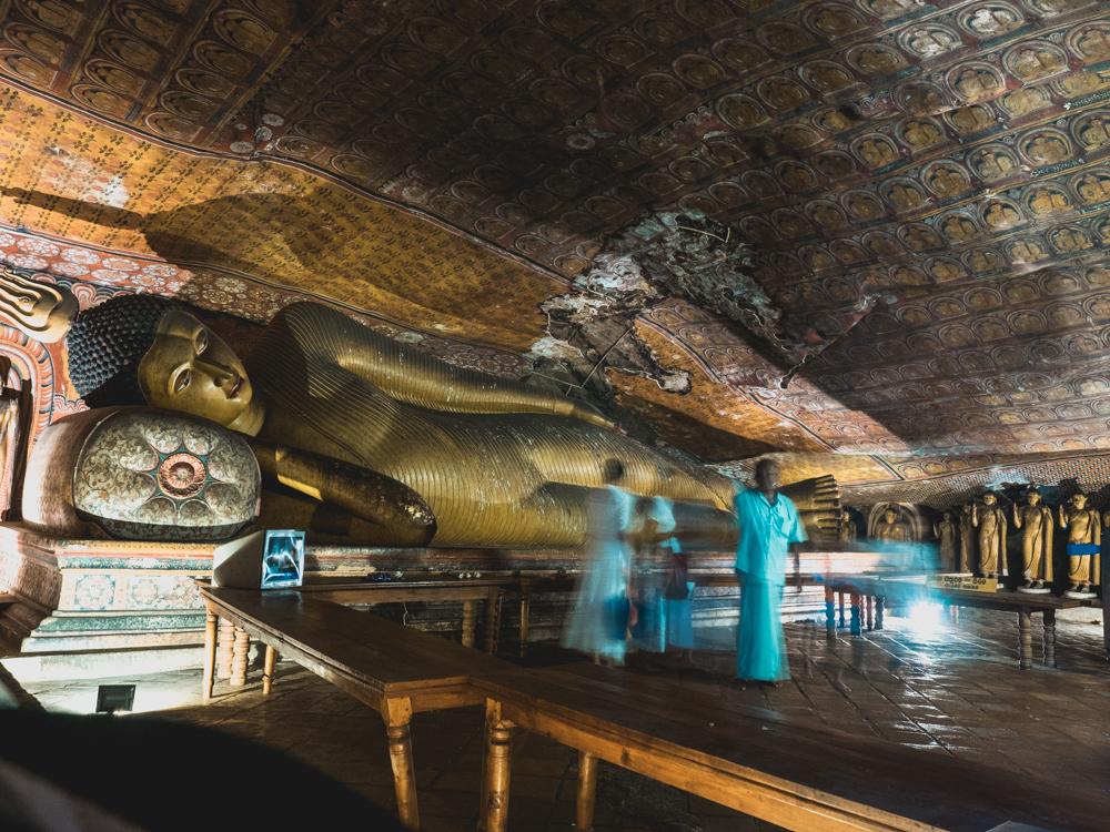 Im Cave Temple von Dambulla