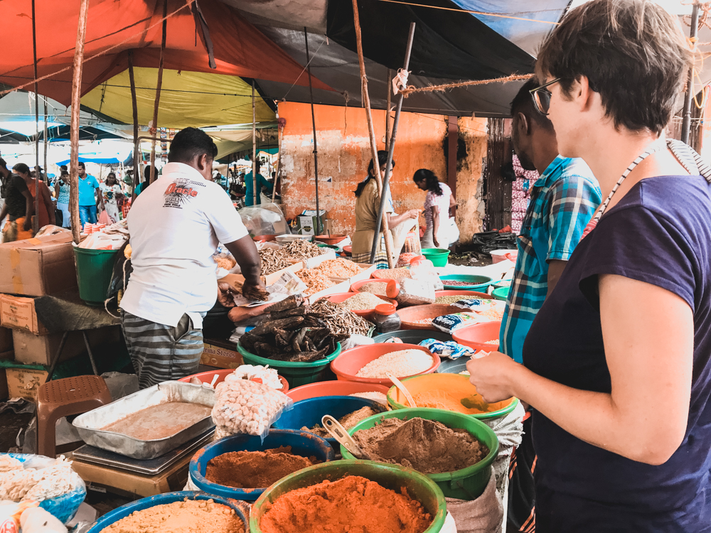 Auf dem Markt von Ambalantota