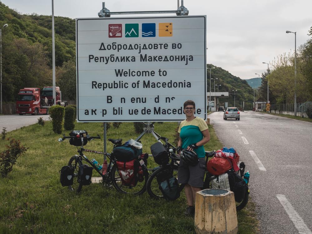 Beim Begrüssungsschild steht nichts von FYROM
