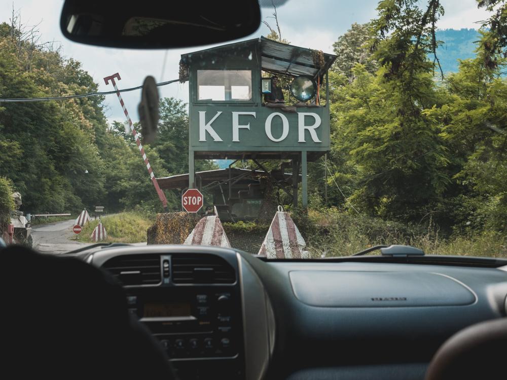 Die KFOR beschützt nach wie vor einige Kirchen und Klöster