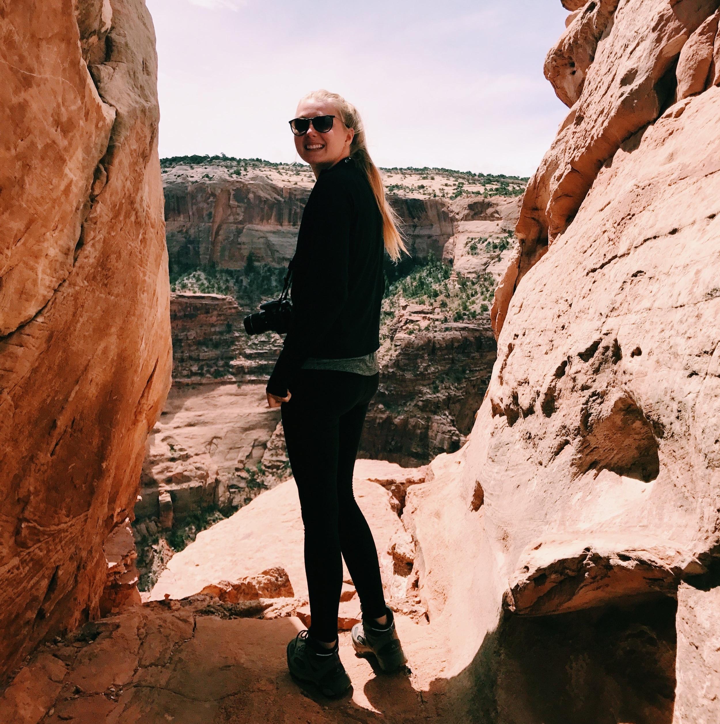 Hello! I'm Taylor - Digital marketer, entrepreneur & social media strategist.