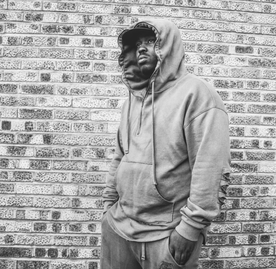 Milli Major   Milli Major is a Grime artist from North London and member of foundational Grime collective 'Bloodline'. His solid foundation in Grime started in 2002 performing on legendary pirate radio stations Heat FM and Rinse FM.