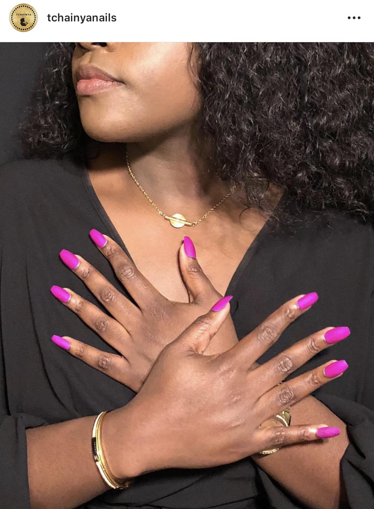 """Nails By @Tchainyanails on instagram ❤  le modèle porte la chaine """"TIYI"""" en acier inoxydable, swarovskis et poids baoulés de la collection Précieuse!"""