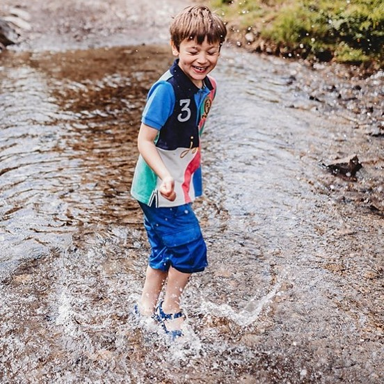 Just splish-splashing around #adventurousfamily #adventurousphotographer #familylifestyle #familyphotography #familysession #letthembekids #wildandfree #organic #happiness #happinessis #instagramers #photooftheday #wilderness #outdoors #happyfamilies #dearphotographer #canonbringit #beunraveled #momentsmatter #noposing #devonphotographer #bristolphotographer #cornwallphotographer #runwildmychild #letthekids