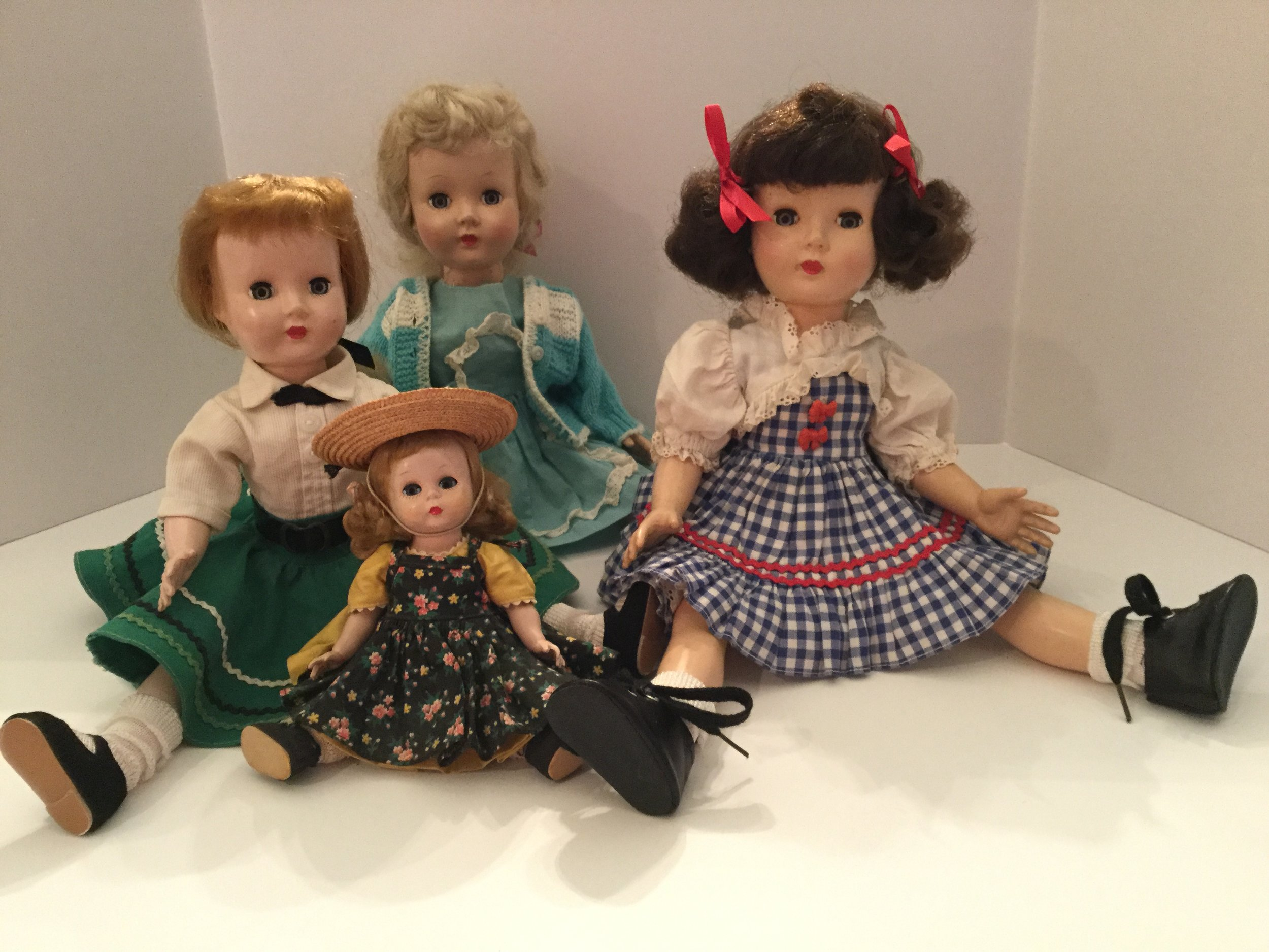 These are my 1950s (maybe even 1949) dolls ... two were mine and two were collected.
