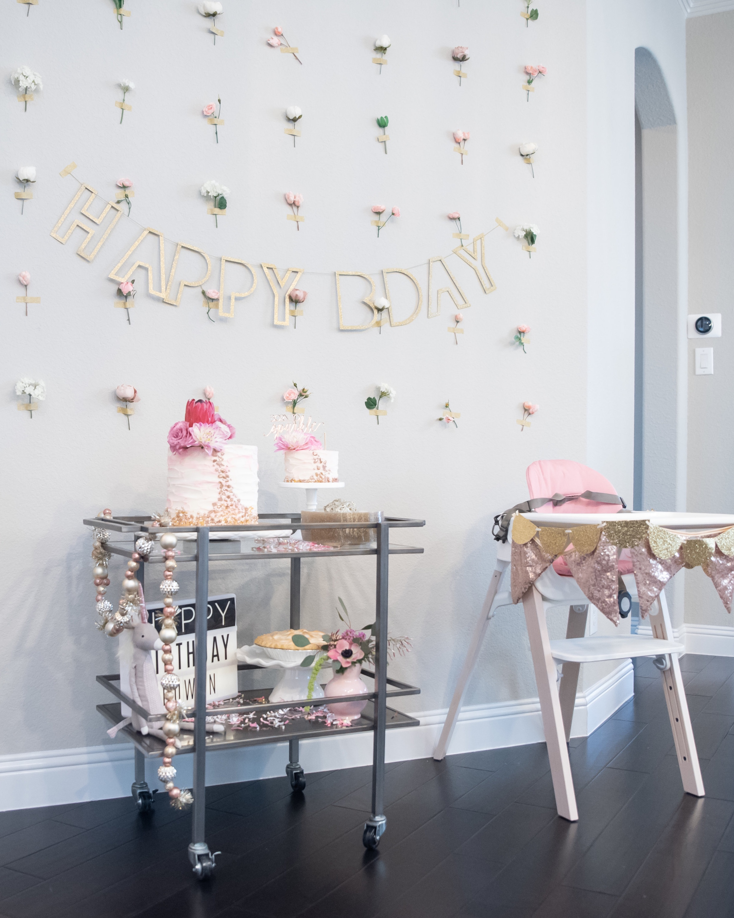 born-to-sparkle-little-girl-first-birthday-party