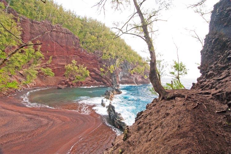 "Kaihalulu (aka ""Red Sand Beach"")"