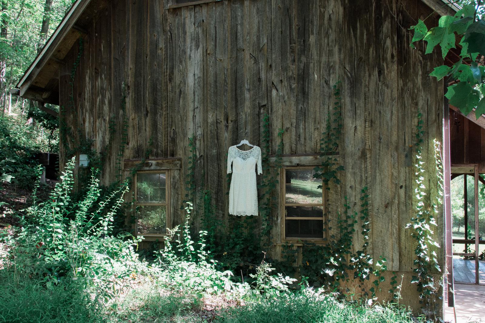 rustic berryville virginia wedding dress