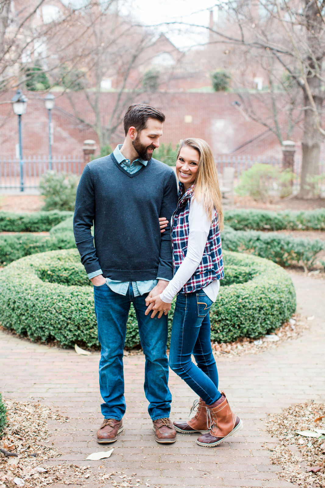 old_town_alexandria_engagements-22.jpg