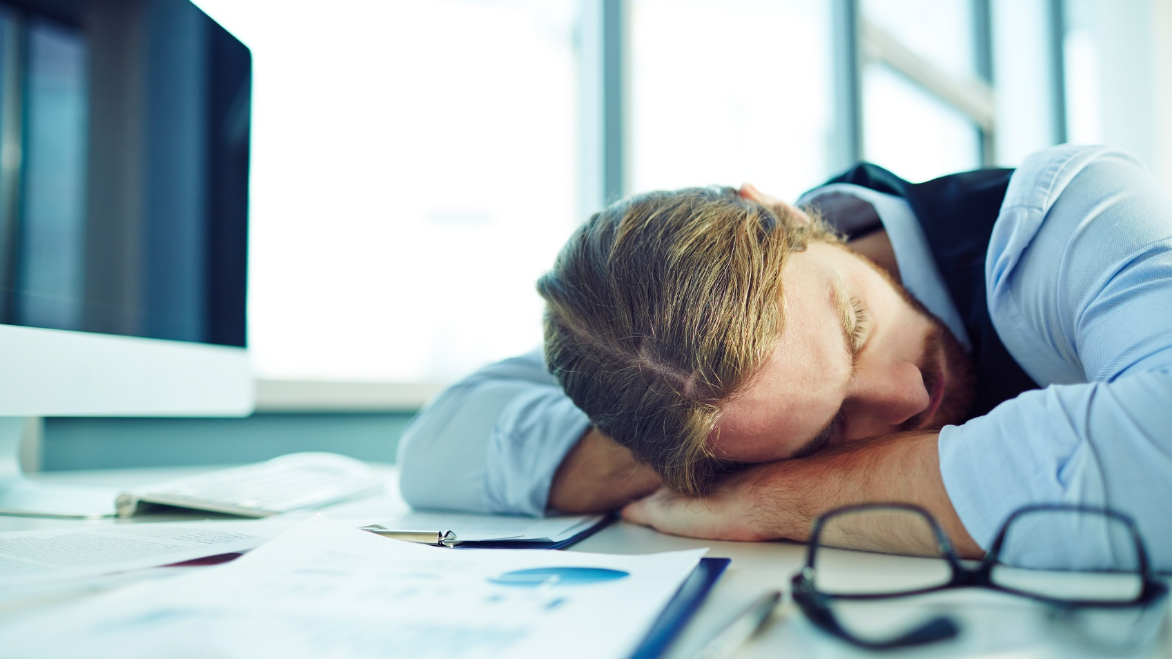 WHY ENTREPRENEURS SHOULD NAP  by Jon Robert Quinn