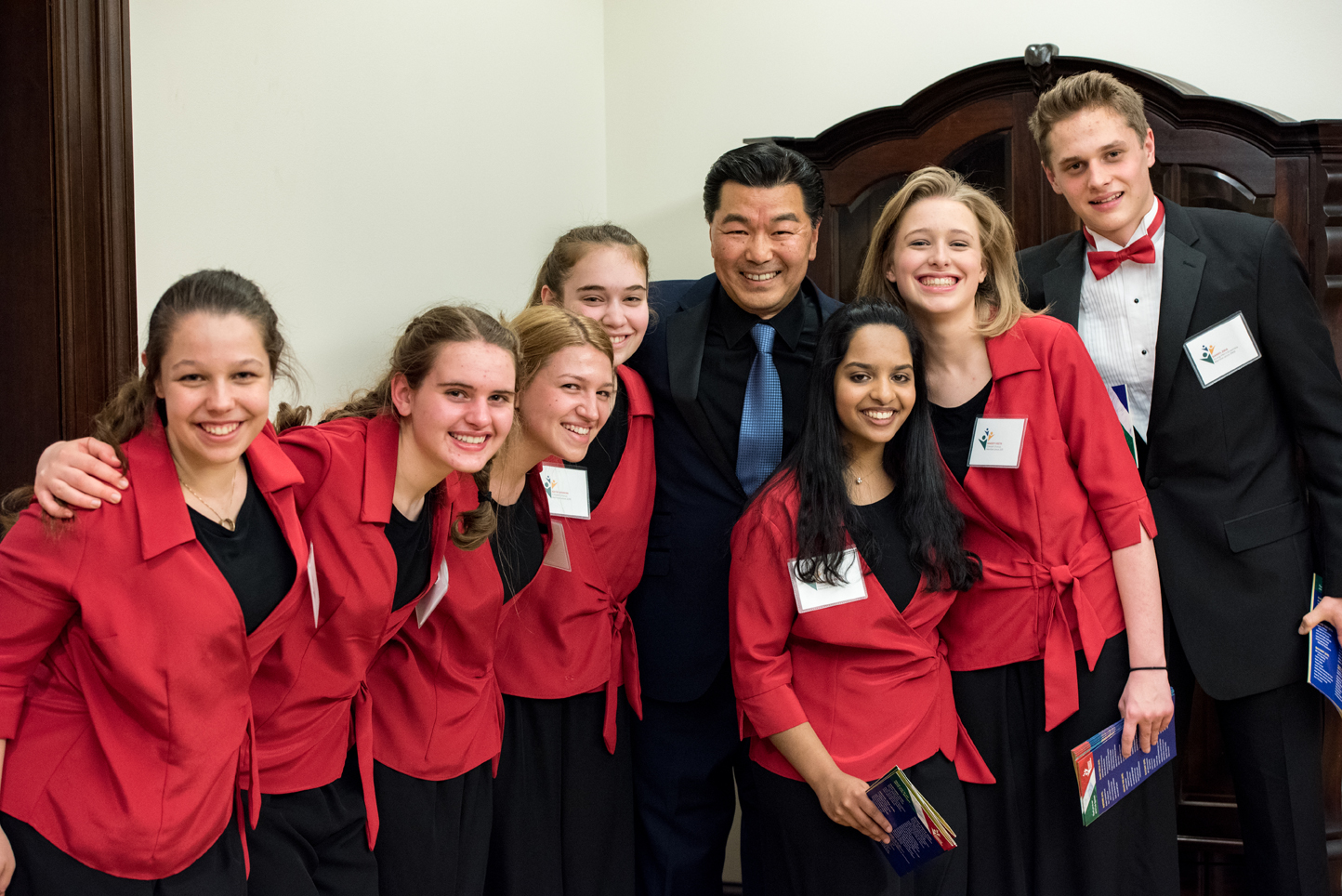 Students with last year's featured guest artist, Christopheren Nomura