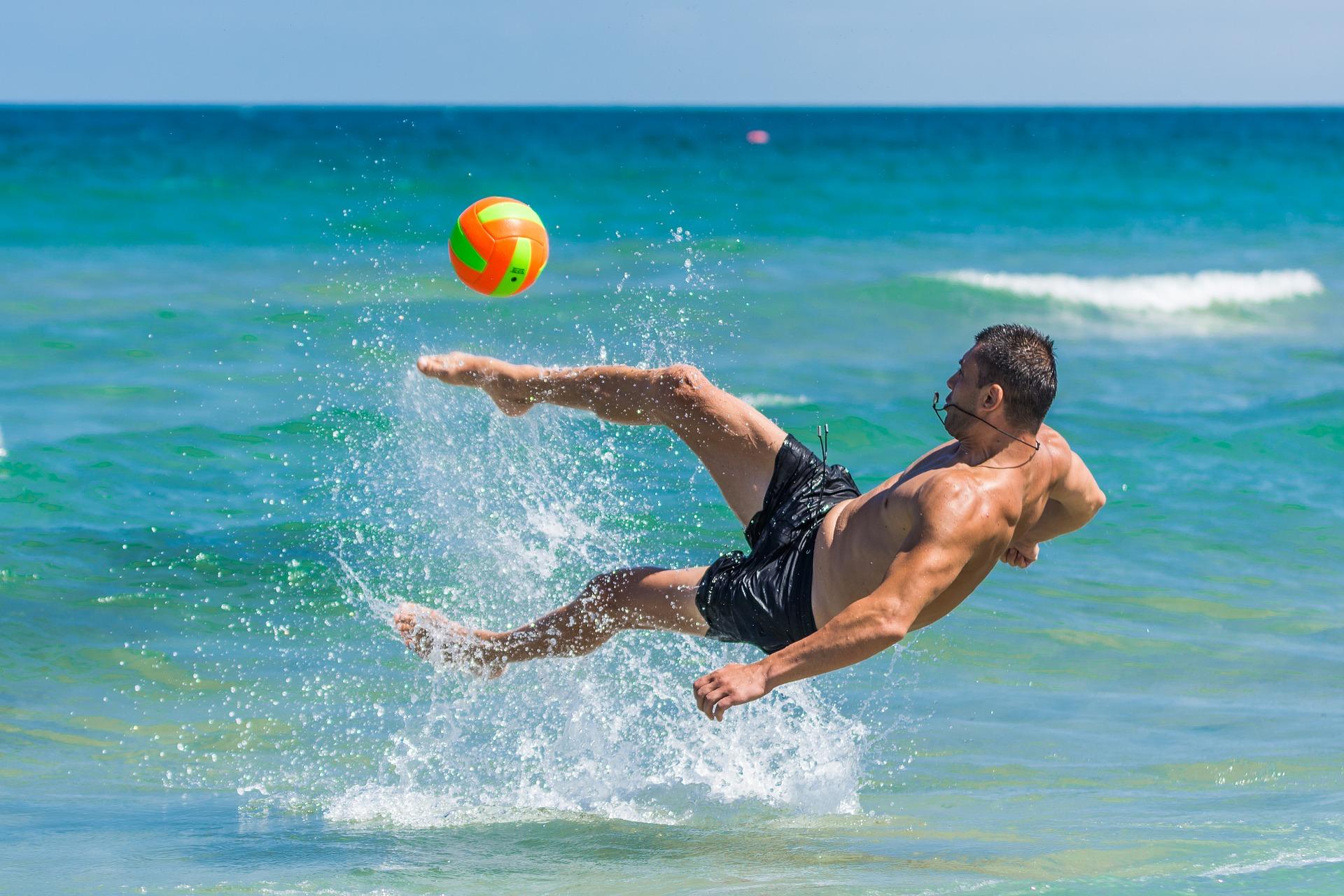 beach-2555568_1920.jpg