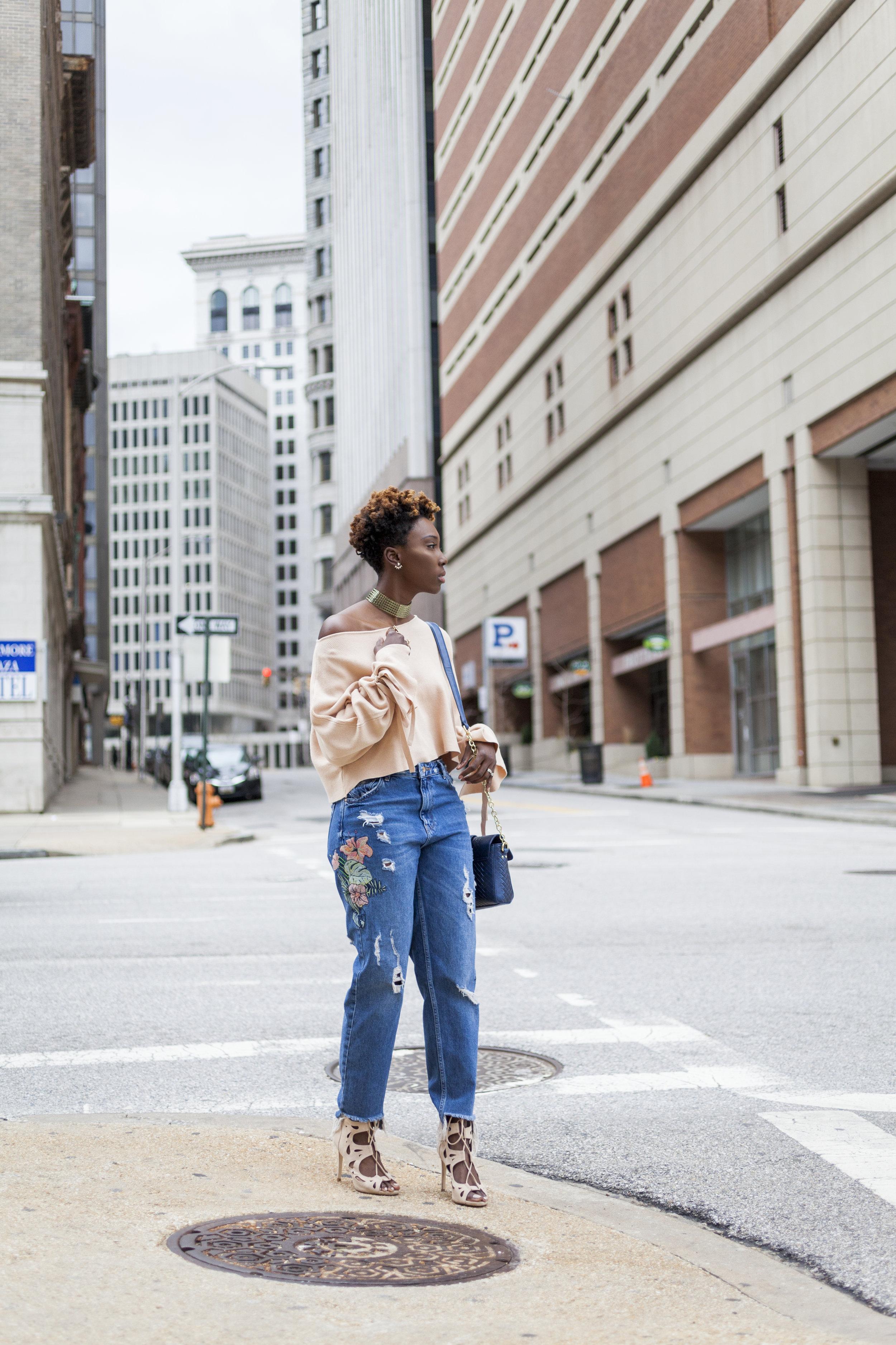 Dayna-Bolden-zara-off-the-shoulder-top-detail-sleeves-zara-patched-denim-jeans-16.jpg