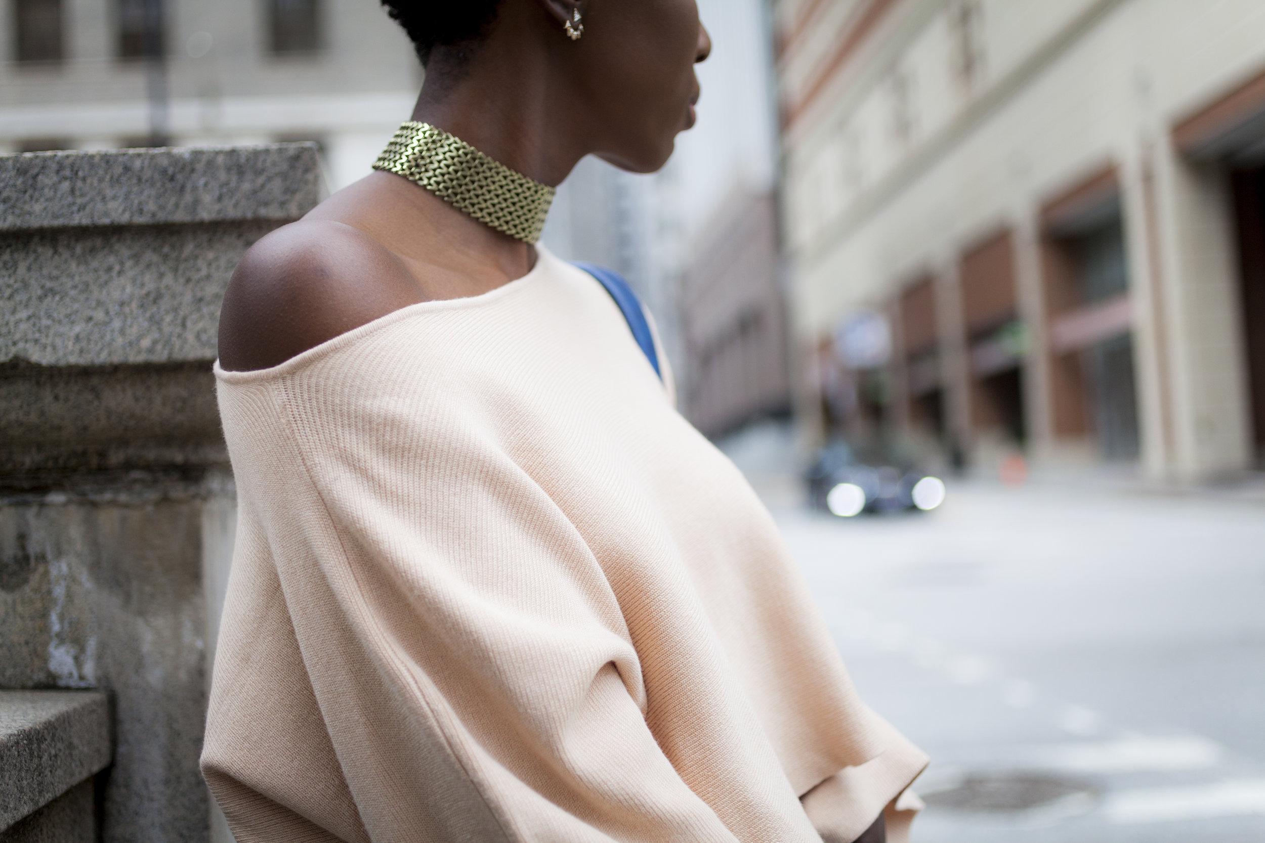 Dayna-Bolden-zara-off-the-shoulder-top-detail-sleeves-zara-patched-denim-jeans-20.jpg