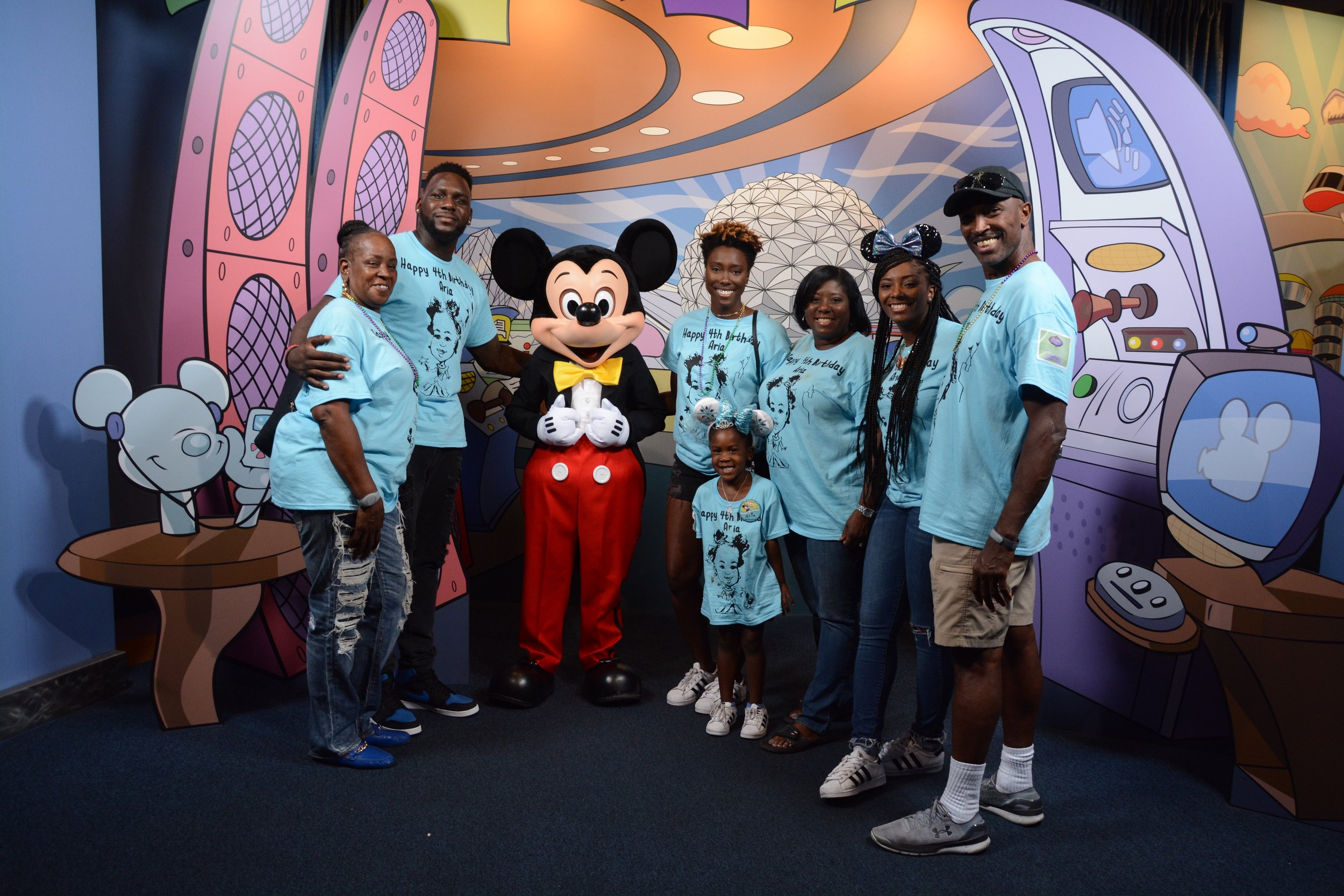 Meet Mickey Family .jpg